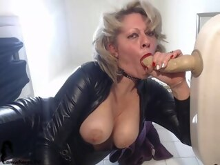 amateur Hot Busty Latina Fetish Solo big boobs fetish