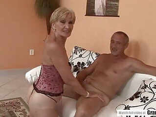 blowjob Amateur Mature Squirting And Getting Fucked Hard hardcore mature