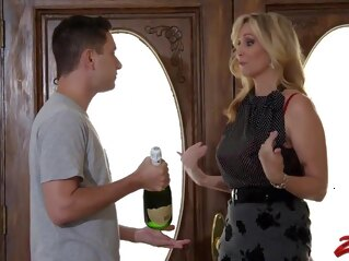 big tits Julia ann stepmom blonde cumshot