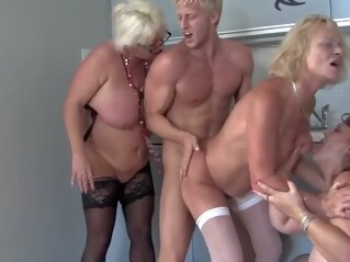gilf Arianne II - Fun Group granny group sex